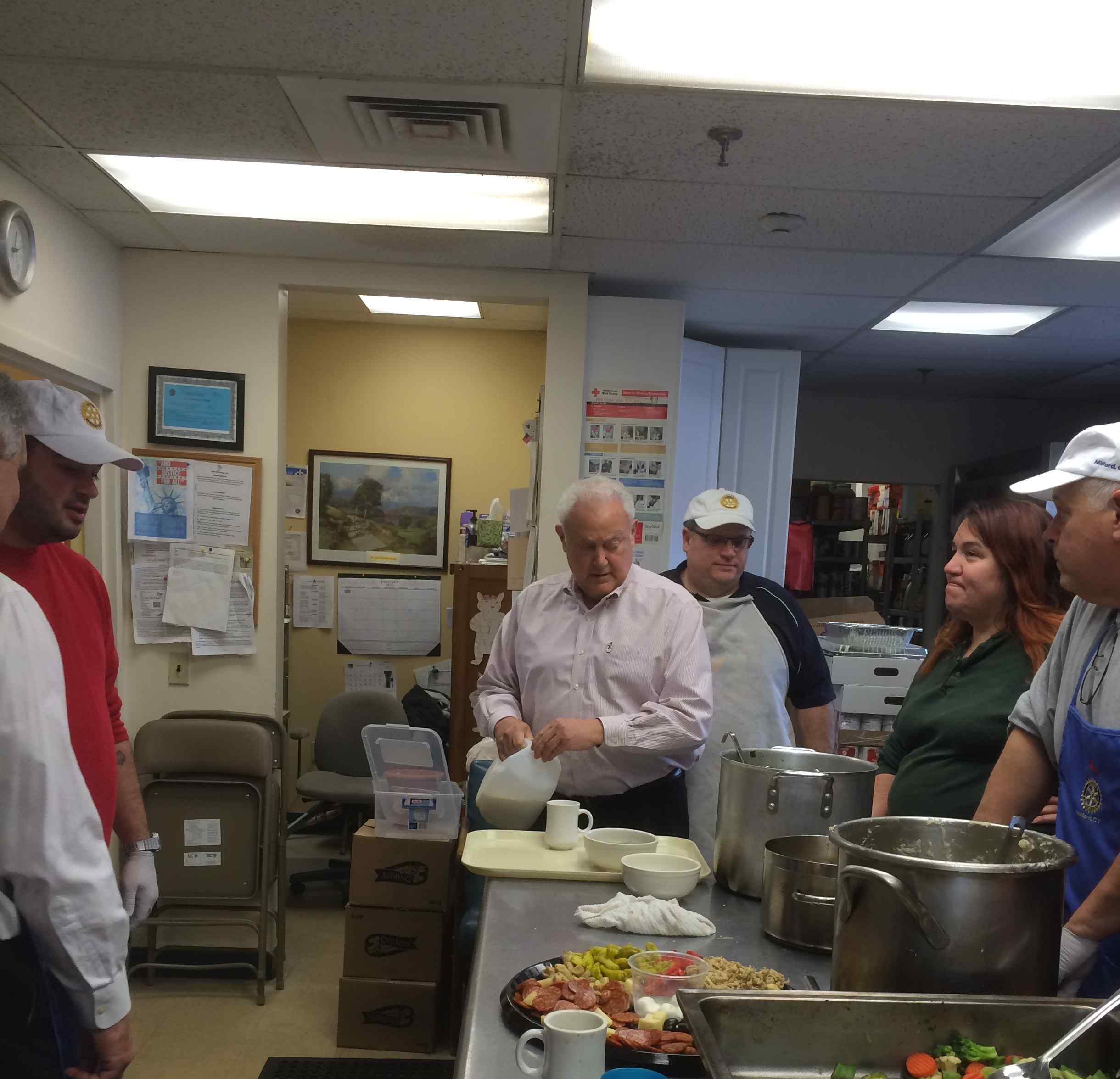 Soup Kitchen Volunteer Ct: Milford Rotary Rolls Up Their Sleeves For The Beth-El Soup